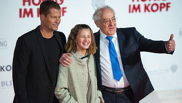 Emma Schweiger, Tochter von Til Schweiger, spielt in Filmen mit und darf jetzt auch moderieren. (Bild: APA/EPA/LUKAS SCHULZE)