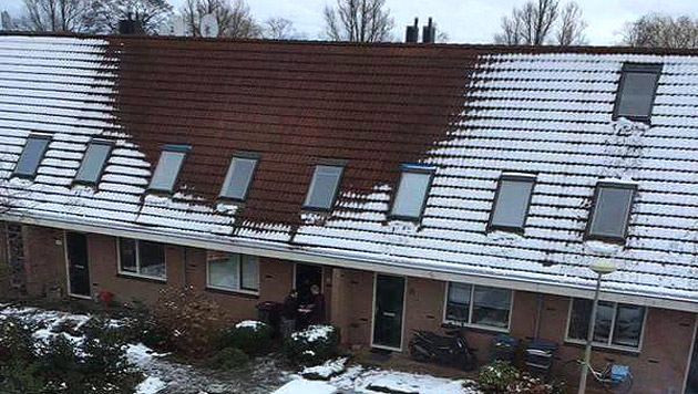 Kein Schnee auf dem Dach? Da könnte eine Hanfplantage drunter liegen. (Bild: twitter.com/Politie Haarlem)