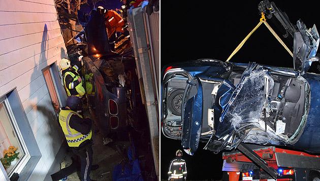 Pkw landet bei Unfall zwischen Haus und Böschung (Bild: FF Sindelburg)