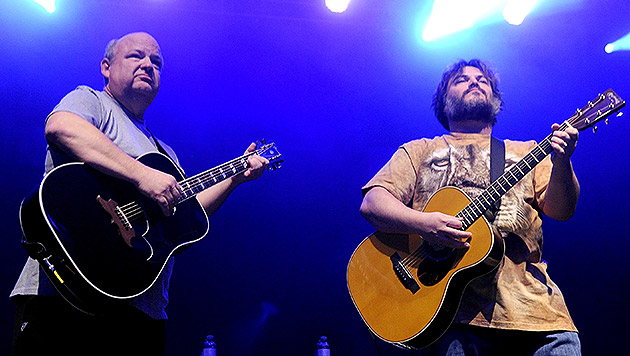 """Tenacious D gaben Rock-""""n""""-Roll-Lehrstunden (Bild: APA/HERBERT PFARRHOFER)"""