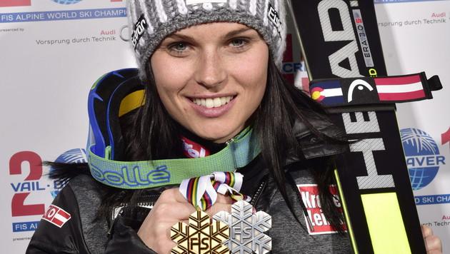 "Fenninger voll motiviert: ""Noch zwei Medaillen!"" (Bild: APA/EPA/FRANCIS BOMPARD / VAIL 2015)"