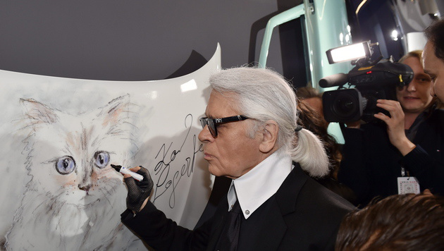 Karl Lagerfeld in Berlin (Bild: APA/EPA/JENS KALAENE)