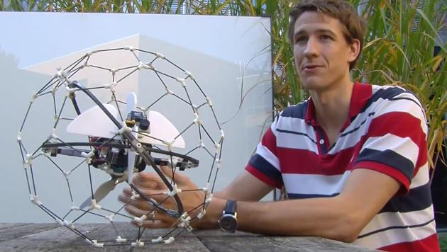Diese Drohne sucht Verschüttete in Gebäuderuinen (Bild: YouTube.com/EPFL)