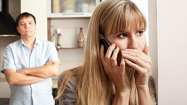 Jeder Vierte spricht mit Partner nicht über Geld (Bild: thinkstockphotos.de)
