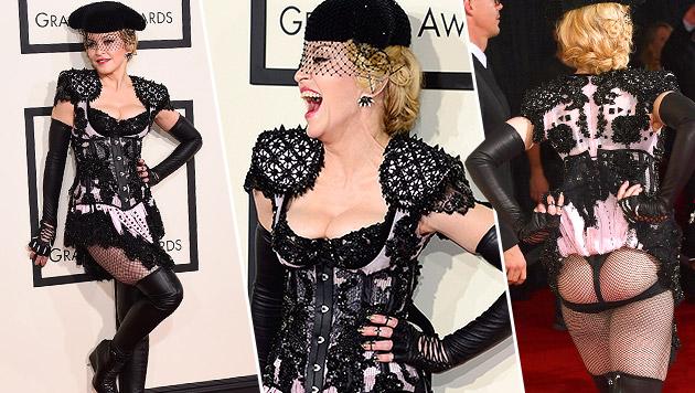 Madonna schmust Rapper Drake auf der Bühne nieder (Bild: Jordan Strauss/Invision/AP)
