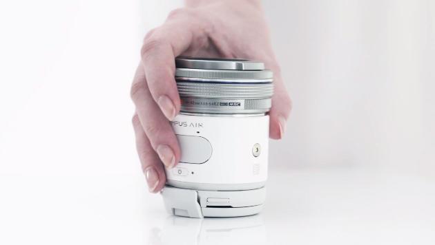 Olympus Air: Handy-Kamera mit Wechseloptik kommt (Bild: YouTube.com/OlympusImagingCamera)
