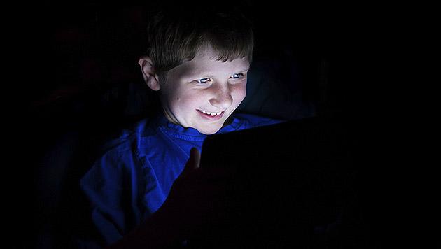 """Chatten statt schlafen: Sorge um """"Vampirkinder"""" (Bild: thinkstockphotos.de (Symbolbild))"""