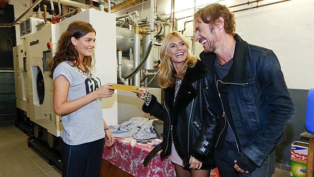 Heidi Klum und Thomas Hayo mit einer Kandidatin (Bild: ProSieben)