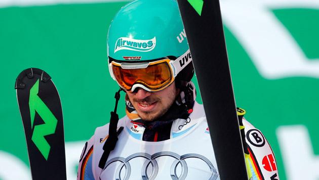 Felix Neureuther enttäuscht im Ziel, Deutschland schied bereits in der ersten Runde aus. (Bild: GEPA)
