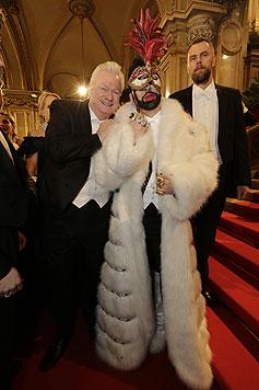 Modeschöpfer Harald Glööckler und sein Ehemann Dieter Schroth (Bild: APA)