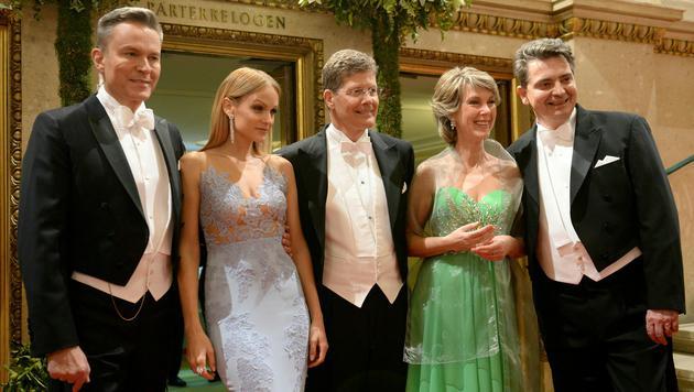 Alfons Haider, Mirjam Weichselbraun, Karl Hohenlohe, Barbara Rett und Christoph Wagner-Trenkwitz (Bild: APA/ROLAND SCHLAGER)