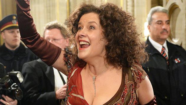 Opernsängerin Angelika Kirchschlager auf der Feststiege (Bild: APAROLAND SCHLAGER)