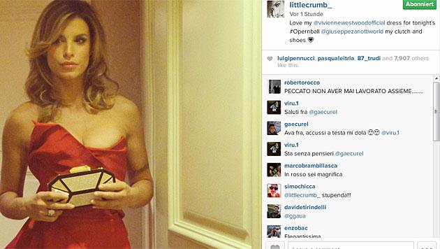 Elisabetta Canalis postet fleißig Bilder vom Opernball. (Bild: instagram.com/littlecrumb_)