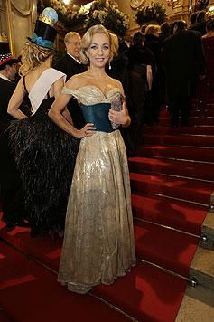Lidia Baich im selbst entworfenen Kleid (Bild: Klemens Groh)