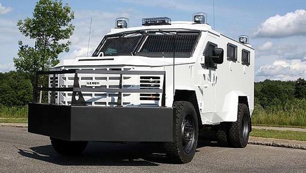 Solche Panzerfahrzeuge benutzen die SWAT-Teams in den USA. (Bild: press-inform/Lenco/Polizeibehörden)