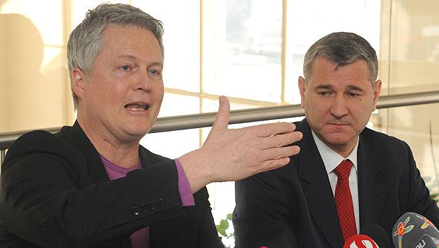 David Ellensohn, Klubchef der Wiener Grünen, und SPÖ-Landesgeschäftsführer Georg Niedermühlbichler (Bild: APA/HERBERT PFARRHOFER)
