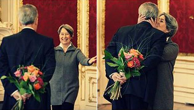 Präsident Fischer bringt seine Margit zum Strahlen (Bild: Facebook/Bundespräsident Dr. Heinz Fischer)