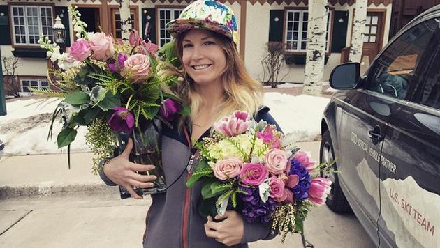Julia Mancuso bekam Blumen geschenkt. (Bild: instagram.com/Julia Mancuso)