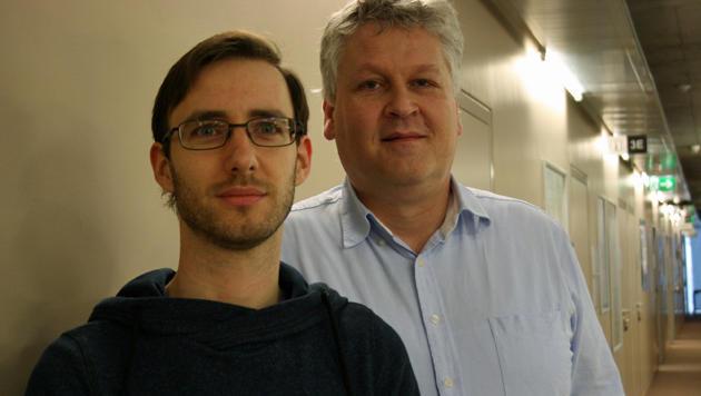 Die JKU-Bioinformatiker Thomas Unterthiner und Sepp Hochreiter (Bild: JKU Linz)