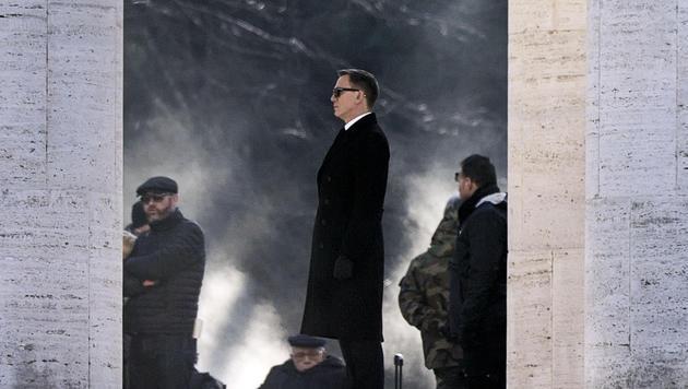 Daniel Craig bei den Bond-Dreharbeiten in Rom (Bild: EPA/Angelo Carconi)