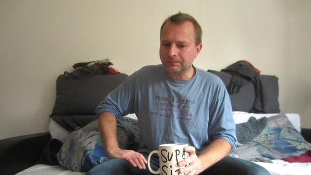 Norbert sinniert über Arbeitslosigkeit (Bild: ATV)