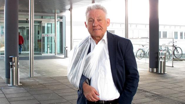 LH Josef Pühringer mit geprellter Schulter (Bild: Robert Loy)