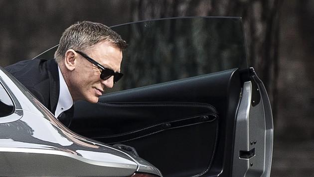 Daniel Craig beim Dreh in Rom (Bild: APA/EPA/ANGELO CARCONI)