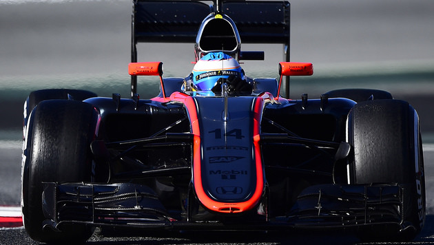 Alonso-Crash bei Tests: Entwarnung um Superstar (Bild: AP)