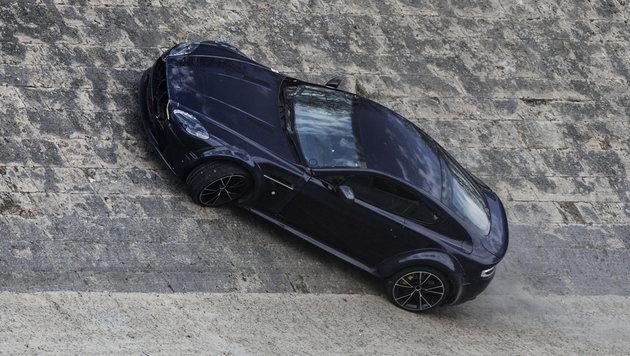 Und Action! Ein Aston Martin bei den Bond-Dreharbeiten in Rom (Bild: APA/EPA/ANGELO CARCONI)