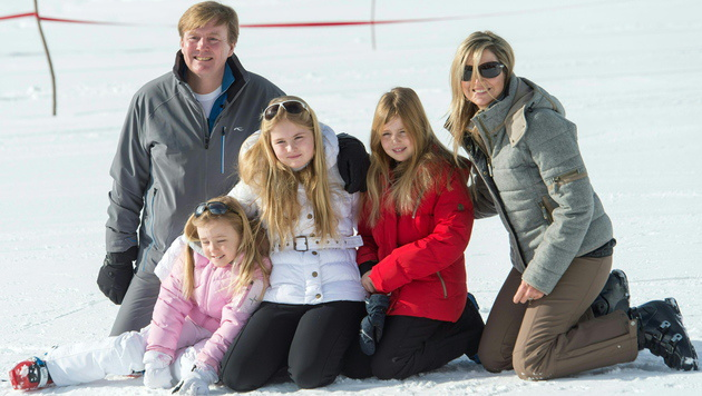 Hollands Königsfamilie urlaubt wieder am Arlberg (Bild: APA/EPA/DIETMAR STIPLOVSEK)