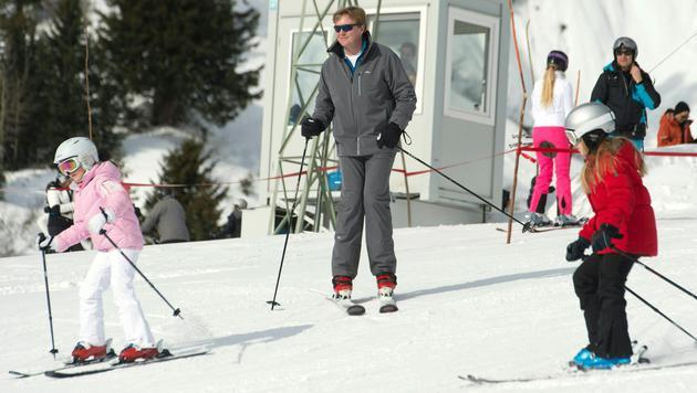 Hollands Königsfamilie urlaubt wieder am Arlberg (Bild: APA/DIETMAR STIPLOVSEK)