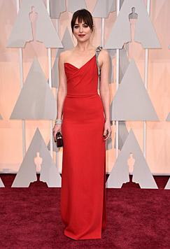 """Auch """"Fifty Shades of Grey""""-Star Dakota Johnson ließ sich den Oscar nicht entgehen. (Bild: Jordan Strauss/Invision/AP)"""