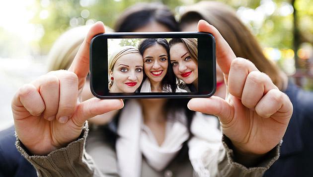 Bereits mehr Tote bei Selfies als bei Haiangriffen (Bild: thinkstockphotos.de)