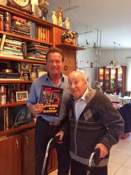 Arnie und sein Ziehvater Alfred Gerstl (Bild: privat)