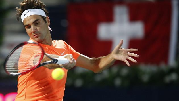 Federer und Djokovic stehen in Dubai im Halbfinale (Bild: APA/EPA/ALI HAIDER)