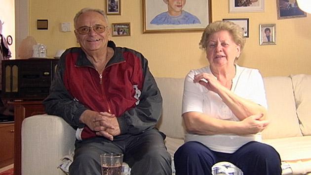Das Ehepaar Edith und Ernst ist sich sicher: Es hat schon einmal Aliens gesehen. (Bild: ATV)