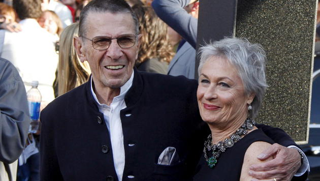 Leonard Nimoy und seine Frau Susan Bay Nimoy im Jahr 2009. (Bild: APA/EPA/NINA PROMMER)