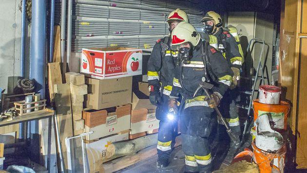 In einer Garage in Krems war eine Wärmepumpe in Brand geraten. (Bild: FF Krems/M.Wimmer)
