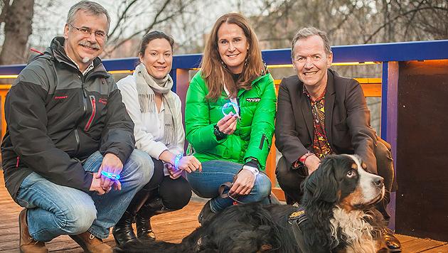"""Karl Weissenbacher, Catherina Gibel, Maggie Entenfellner, Ossi Schellmann und """"Krone""""-Hund Podolsky (Bild: Purina PetCare Austria)"""