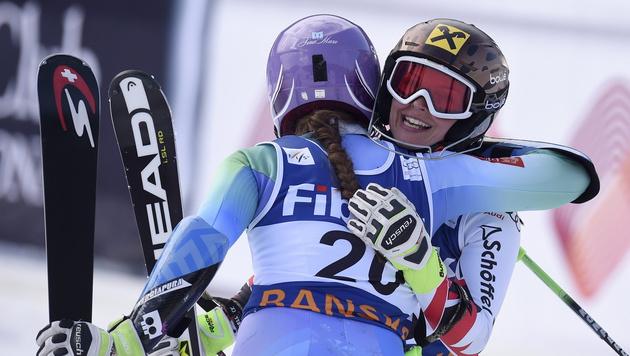Sensationell! Nächster Triumph für Anna Fenninger (Bild: APA/EPA/GEORGI LICOVSKI)