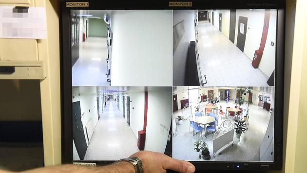 Überwachungsbilder aus der Justizanstalt Wien-Josefstadt (Bild: APA/HELMUT FOHRINGER)