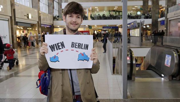 Ready to go! Ab Mitte März wird der Vlogger als erster Österreicher in einer YouTube-WG leben. (Bild: Klemens Groh)