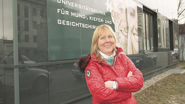 Sabine Gabath arbeitet seit 25 Jahren als Pflegekraft an den SALK. (Bild: Sabine Salzmann)