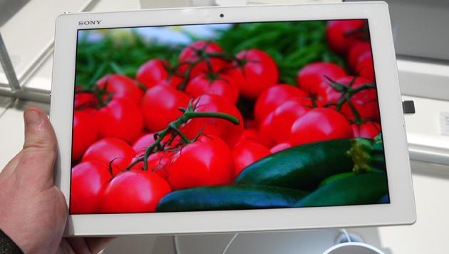 Xperia Z4 Tablet: Android-Fliegengewicht probiert (Bild: Dominik Erlinger)