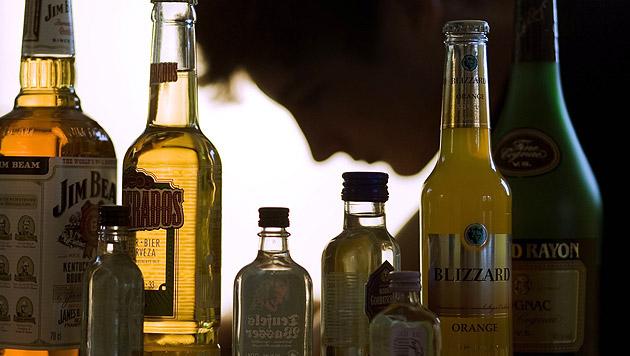 200.000 Österreicher neigen zu exzessivem Trinken (Bild: dpa/Jens Büttner)