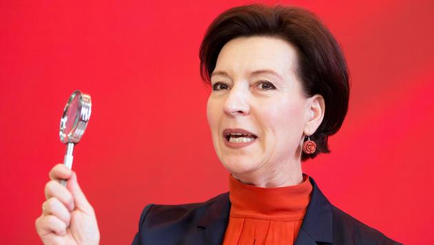 Heinisch-Hosek fordert Mindestlohn von 1.500 Euro (Bild: APA/GEORG HOCHMUTH)