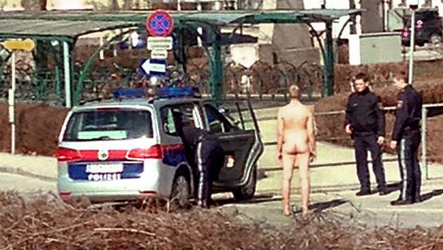 """Die Exekutive rückte aus und konnte den Stadt-""""Flitzer"""" in Stockerau anhalten. (Bild: APA/ARAM LESSAN)"""