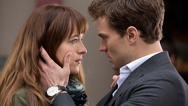 """Dakota Johnson lässt sich gerade in """"Fifty Shades of Grey"""" auspeitschen. (Bild: AP)"""