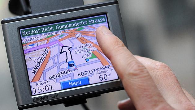 1.200 Kilometer Umweg wegen Navi-Eingabefehlers (Bild: APA/HELMUT FOHRINGER (Symbolbild))
