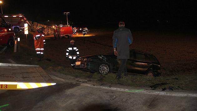 Lkw-Fahrer drei Stunden in Führerhaus eingeklemmt (Bild: BFVDL)